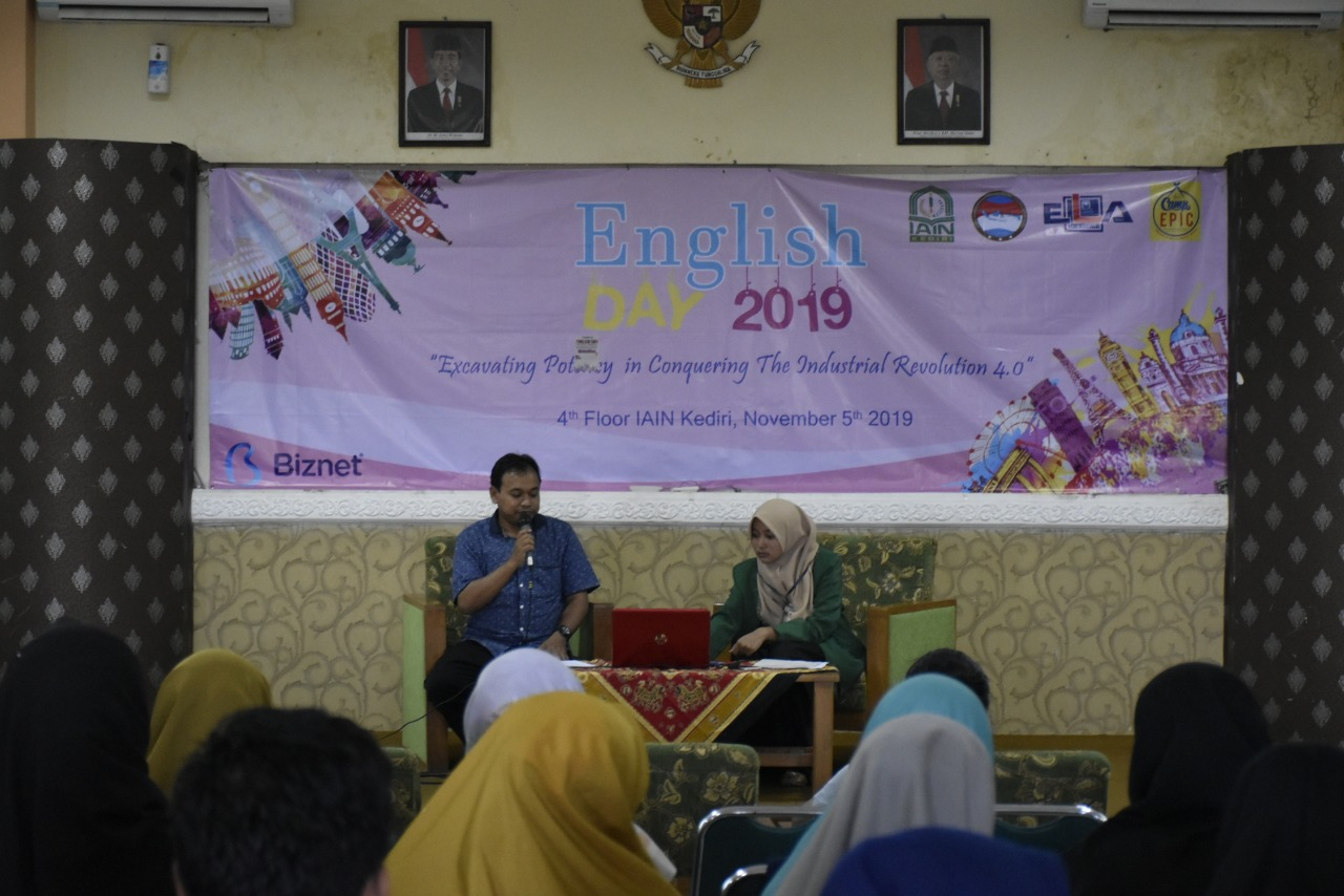 Melalui English Day IAIN Kediri: Kampanyekan Go Green