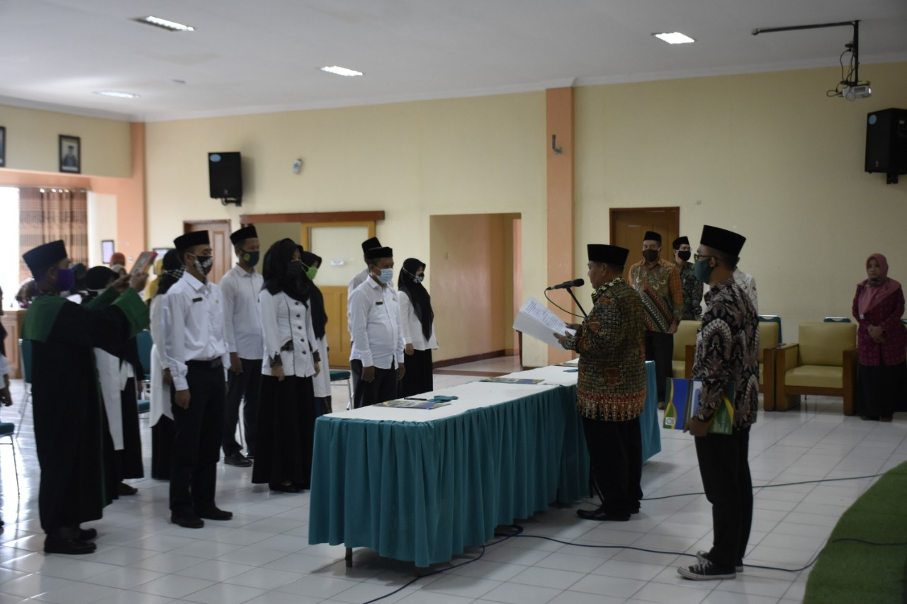 Rektor IAIN Kediri Lantik 13 Pejabat Baru
